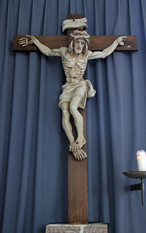LJ-cr-Achteveld-christusbeeld beesel in Goede Herderkerk in Ede-West.
